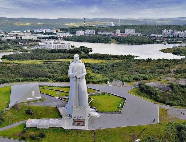 Часы 100-летия погасли: вМурманске заложили капсулу на50 лет вперёд