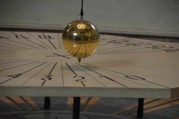 ВМурманской научной библиотеке впервый раз запустили маятник Фуко